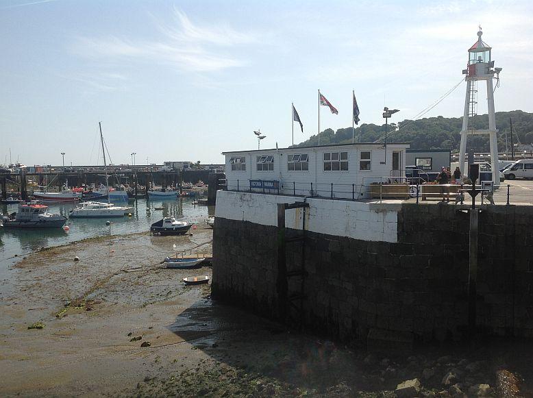 Guernsey - 1 Std. nach Niedrigwasser